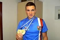 Martin Fuksa se dvěma zlatými medailemi z minulého víkendu