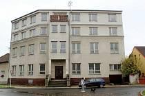 Někdejší luxusní hotel Paříž v Poděbradech.
