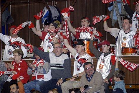 Fanošci Nymburka sice neměli radost z posledního utkání, ovšem hřát je může přesvědčivé vítězství týmu v základní části.