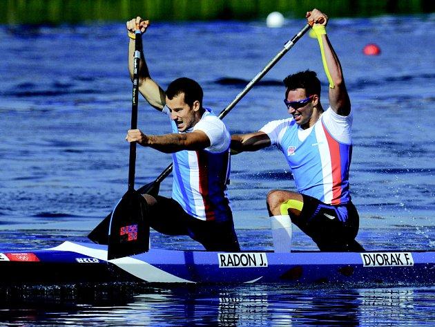Jaroslav Radoň s Filipem Dvořákem na trati finálového závodu