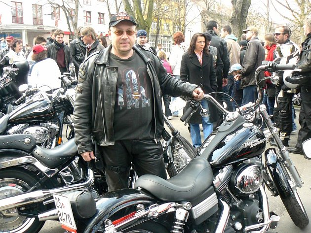 Motorkář Pavel Hruška a jeho harlej