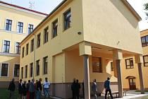 Rožďalovice mají novou silnici, přístavbu školy a centrum pro spolky.