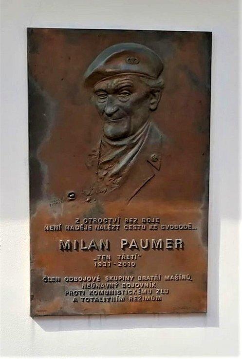 Vedení města, příbuzní a přátelé si připomněli výročí úmrtí Milana Paumera.