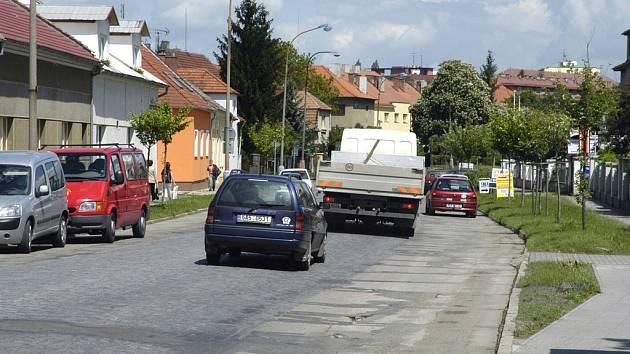 Ulice Československé armády v Lysé nad Labem dostane nový povrch.