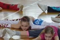 Ze soutěže v aerobiku O pohár Barta Simpsona v Poděbradech