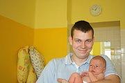 KUBÍK Z MILOVIC. JAKUB MORAVEC se narodil rodičům Marcele a Janovi 11. května 2017 v 16.32 hodin. Vážil 3 420 g a měřil 51 cm.