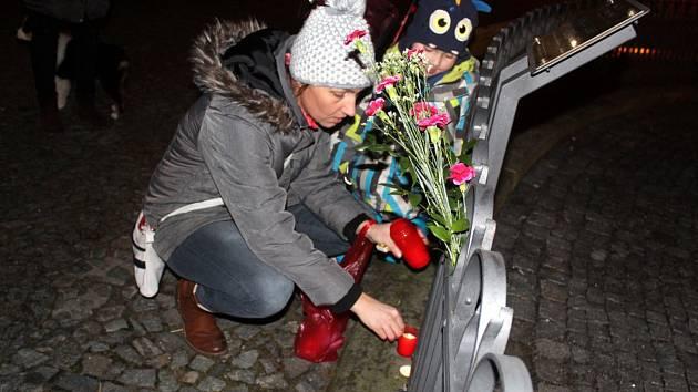 Vzpomínkové shromáždění k výročí upálení se Jana Palacha se konal i na nymburském náměstí.