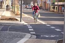 Vnitroměstské cyklostezky v Poděbradech už čekají na cyklisty.