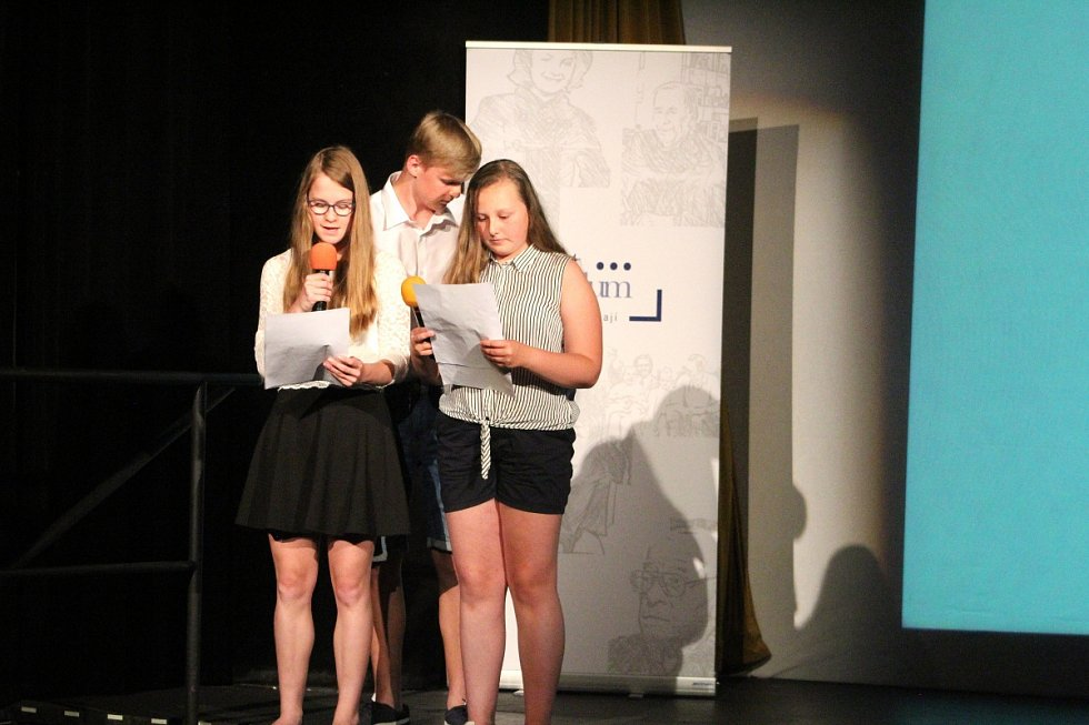 Projekt Příběhy sousedů uskutečnila na poděbradských školách organizace Post Bellum.