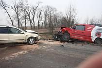 Dopravní nehoda mezi obcemi Chleby a Rašovice