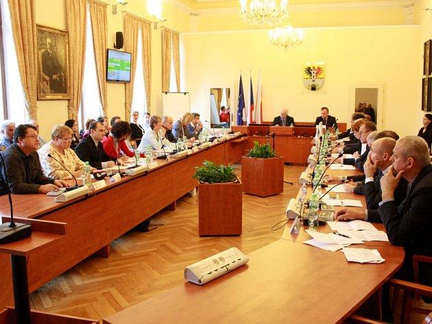 Zasedání poděbradských zastupitelů.