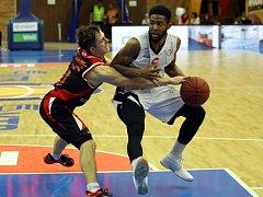 Z basketbalového utkání VTB ligy Nymburk - Volgograd (103:76)