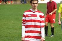 KANONÝR. Útočník Ostré Josef Petlička má v letošní sezoně pořádně nabito. Ve třinácti utkáních dal třináct branek.