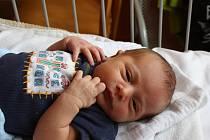 PŘEKVAPENÍ ŠTĚPÁNEK. Štěpán MATĚJKA se narodil 12. února 2016 v 0.44 hodin. Maminka Veronika a táta Stanislav si synka s mírami 3 570 g a 47 cm pyšně odvezli do Opatovic k prvorozené  Kačence (2).