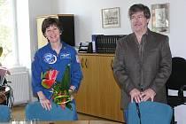 Americká astronautka s manželem strávila jeden den v Poděbradech.