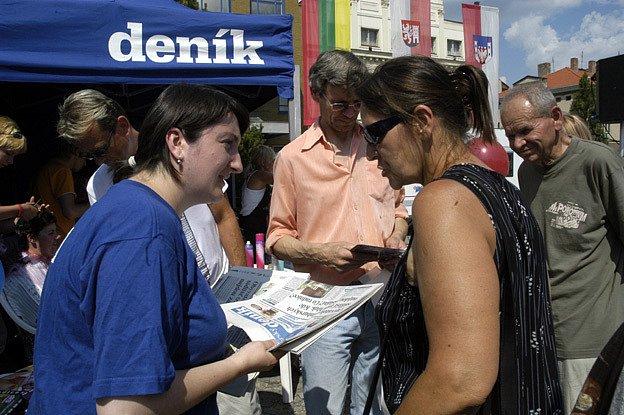 Na nymburském náměstí se koná Den s Deníkem.