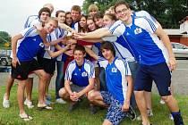 VÍTĚZNÝ TÝM. Dračí loď nymburského gymnázia vyhrála popáté ze šesti ročníků Přebor středních škol.