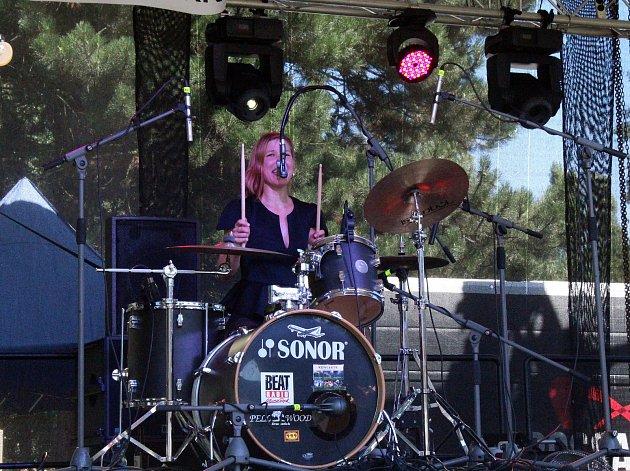 Zpěvačka, bubenice a muzikantka každým coulem Pavla Táboříková pokřtí své nové album Pajány.