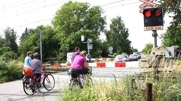 V budoucnu by měla vést cyklostezka z Nymburka směrem na Dvory