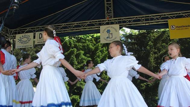 V Nymburce proběhl již 14. ročník na Nymbursku jediného folklorního festivalu svého druhu Polabská Vonička.