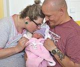 ANDĚLKA FIALOVÁ se narodila 24. dubna 2018 ve 22.20 hodin s délkou 50 cm a váhou 4 050 g. Ze svého zlatíčka se radují rodiče Jakub a Adéla z Poděbrad.