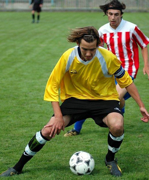 Role kapitána se nymburský Michal Kubín zhostil skvěle, když sám vstřelil z trestného kopu druhý gól a Nymburk porazil Kosmonosy 2:1. Tento výsledek zaručil Nymburku postup do dorostenecké divize.