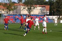 Z fotbalového utkání okresního přeboru Bohemia Poděbrady B - Kněžice (3:3)