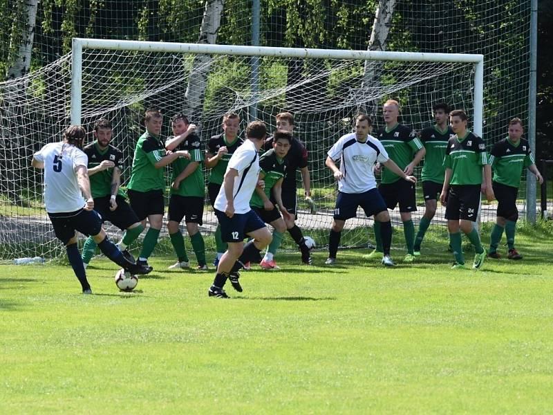 Z fotbalového utkání Radimské letní ligy Radim - Polaban Nymburk B (3:2)