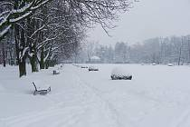 Náměstí T. G. Masaryka pod sněhem se začátkem léta začně měnit.