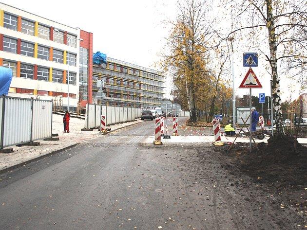 Základní školu Juventa v Milovicích slavnostně otevřou 2. prosince.