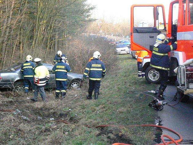 Odpolední nehoda v Babíně zkomplikovala provoz mezi Poděbrady a Nymburkem