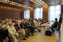 Setkání vedení města a organizátorů e-aukce s veřejností v Obecním domě