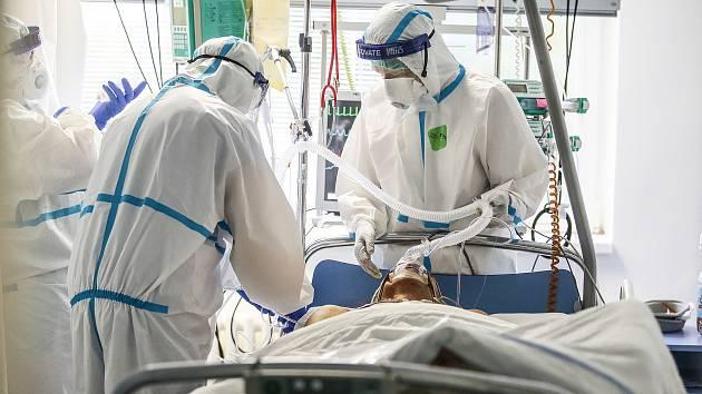 Oddělení pro pacienty s covid-19. Ilustrační foto