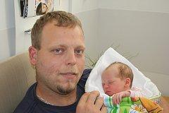 TEREZKA ZE SADSKÉ. TEREZIE VORLÍČKOVÁ přišla na svět za mámou Eliškou, tátou Martinem a bráškou Matyasem (8) 15. srpna 2017 v 17.17 hodin. Malá slečna vážila 3 170 g a měřila 48 cm.