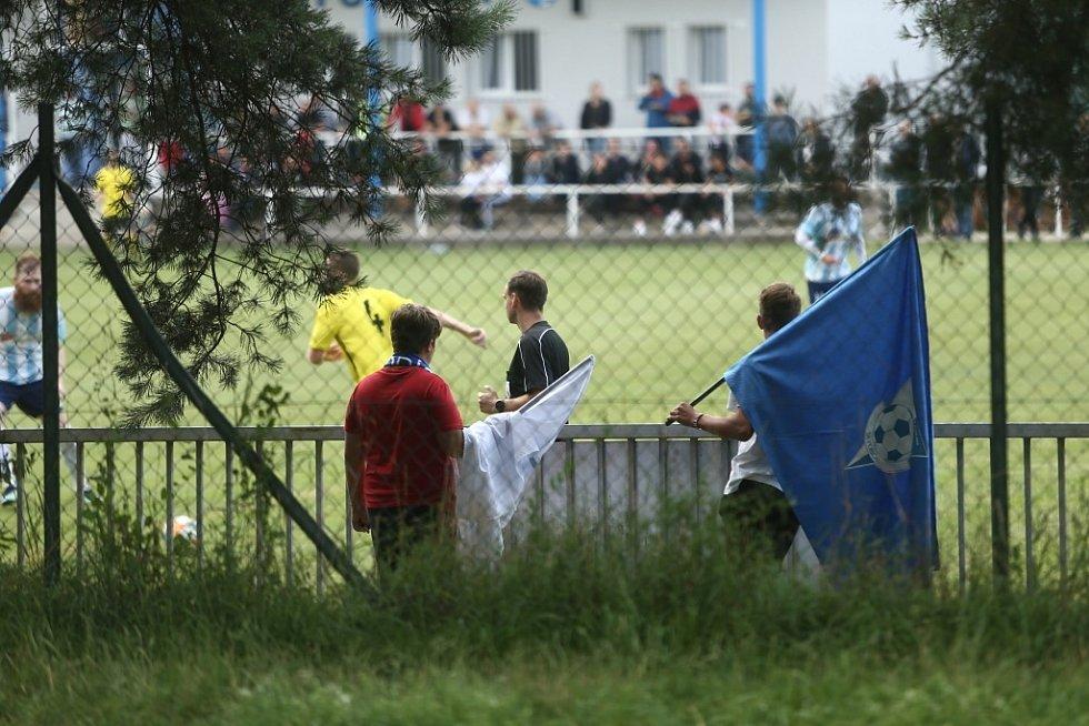 Z divizního fotbalového utkání Poříčany - Vysoké Mýto (0:5)