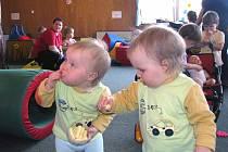 Vícečata si dala dostaveníčko v milovickém mateřském centru