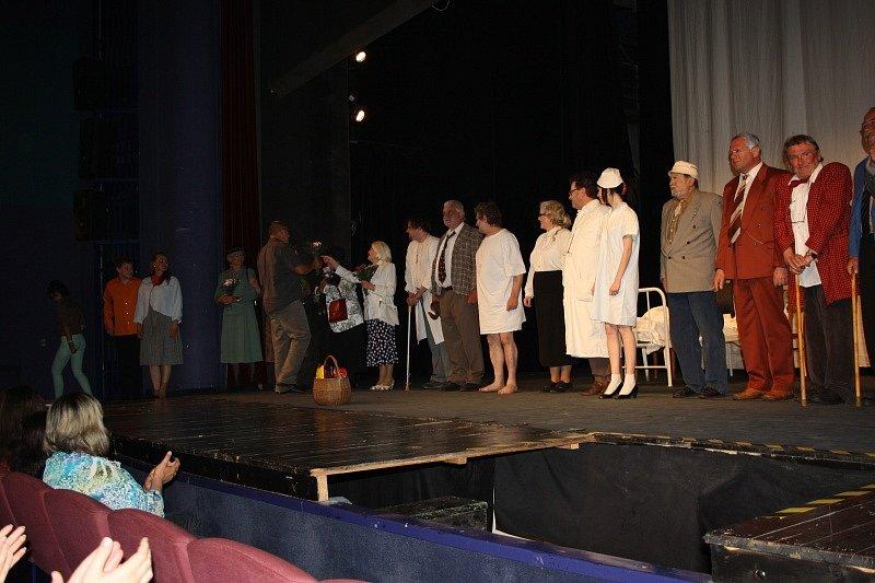 Harlekýnovy miliony v nymburském Hálkově divadle