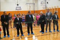 Slavnostně byly otevřeny dvě zrekonstruované tělocvičny