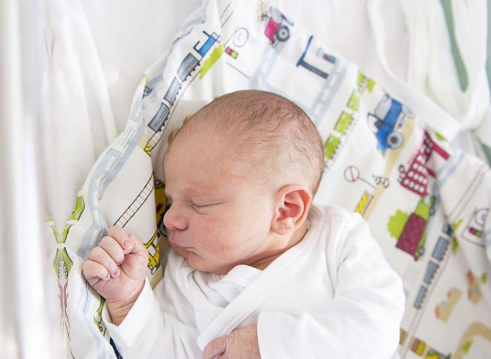 Jáchym Šolc z Křince se narodil v nymburské porodnici 2. září 2021 ve 20.10 hodin s váhou 3300 g a mírou 49 cm. Domů pojede chlapeček s maminkou Michaelou, tatínkem Milanem a bráškou Danielem (6 let).