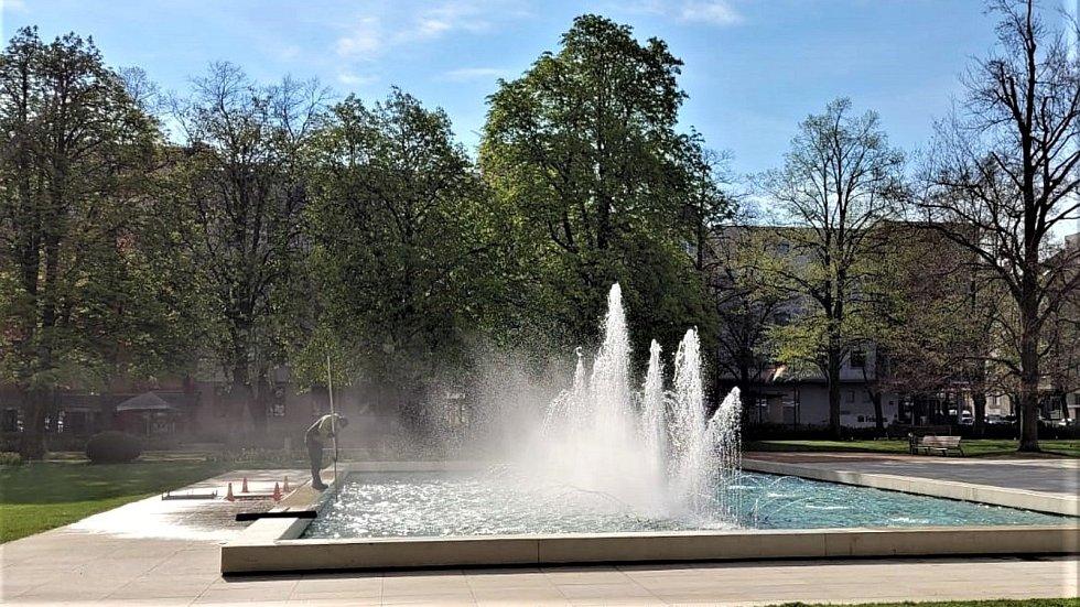 Hlavní fontána má za sebou testování po zimní přestávce.