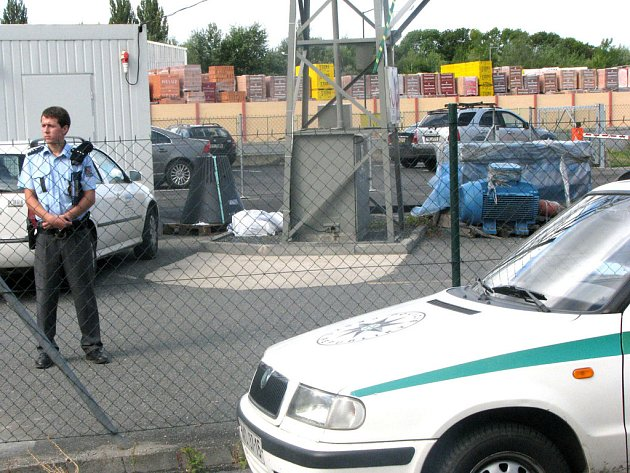 Muže v areálu firmy na kraji Nymburka zabila eklektřina