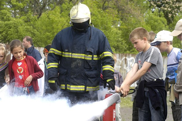 Stovky dětí přihlížely ostrým zásahům hasičů.