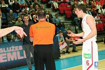 Z basketbalového utkání Mattoni NBL Nymburk - Prostějov (94:79)