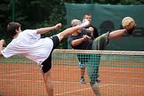 Z nohejbalového turnaje v Kersku.
