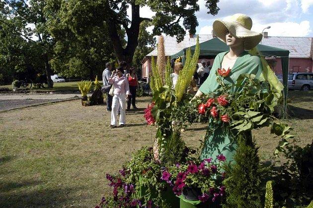 Zámek Bon Repos zve na květinovou slavnost