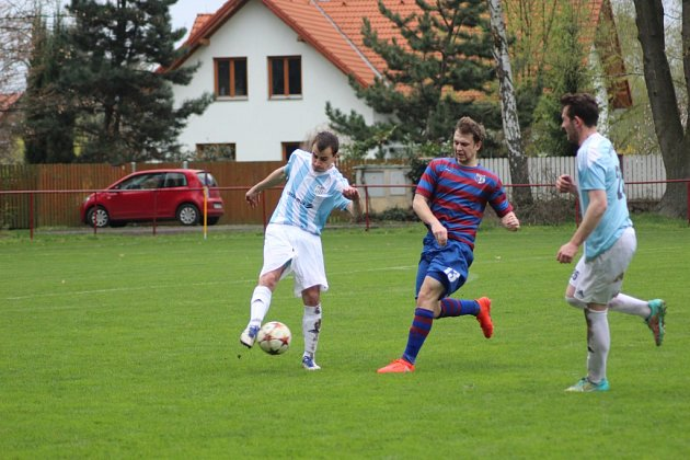 Z fotbalového utkání I.B třídy Loučeň - Sadská (0:4)