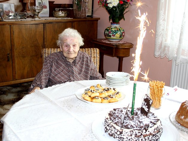 Olga Adámková oslavila 100. narozeniny