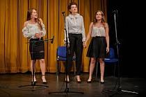 On-line koncert z Divadla Na Kovárně představil žáky ZUŠ Pečky s učitelem a pěvkyní. Foto: Jan Sobotka