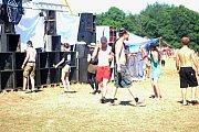 Před několika stagemi se tancovalo i v neděli před polednem.