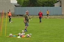 Fotbalisté Kostomlat jsou v tréninku dvakrát týdně